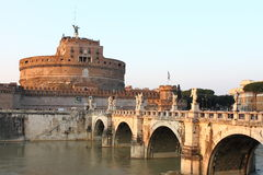 Castillo del ángel del santo y el puente del ángel Fotos de archivo libres de regalías
