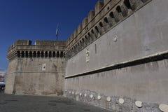 Castillo del ángel santo, paredes gruesas, Roma, Europa Foto de archivo libre de regalías