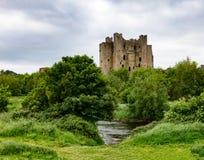Castillo del ajuste en Irlanda Foto de archivo