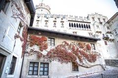 Castillo del buonconsiglio en Trento en el otoño foto de archivo libre de regalías