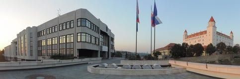 Castillo del Consejo Nacional y de Bratislava imágenes de archivo libres de regalías
