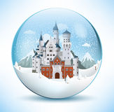 Castillo del cuento de hadas en la esfera de cristal Imagen de archivo