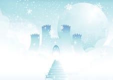 Castillo del cuento de hadas en nubes Imagenes de archivo