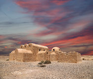 Castillo del desierto de Quseir (Qasr) Amra cerca de Amman, Jordania foto de archivo