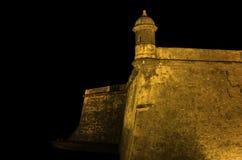Castillo del EL Morro en la noche imagen de archivo
