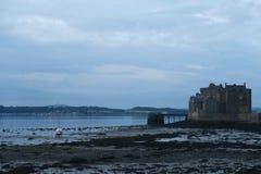Castillo del grado de oscuridad en Escocia Imagenes de archivo