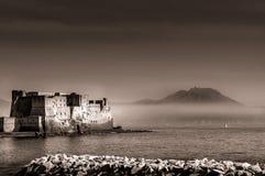 Castillo del huevo en la bahía de Nápoles Imágenes de archivo libres de regalías