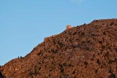 Castillo del pirata en la roca cerca partida Fotografía de archivo