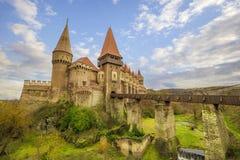 Castillo del ` s Hunyadi de Corvin en Hunedoara, Rumania fotos de archivo