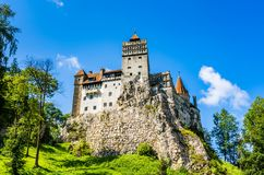 Castillo del salvado en el vecindad inmediata de BraÈ™ov, Transylvan foto de archivo