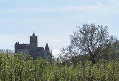 Castillo del salvado en Transilvania durante la primavera Fotos de archivo libres de regalías