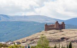 Castillo en cumbre sobre el La Calahorra España Foto de archivo libre de regalías