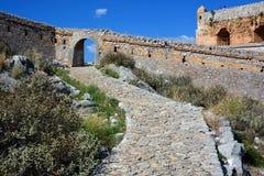 Castillo en el centro de Nafplion, una ciudad griega de Palamidi en la península de Peloponeso fotos de archivo