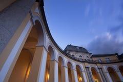 Castillo en el crepúsculo Imagen de archivo libre de regalías