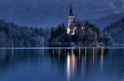 Castillo en el lago, sangrado Foto de archivo
