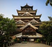 Castillo en el ocaso, Hiroshima, Japón de Hiroshima fotografía de archivo