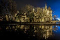 Castillo en el parque de la ciudad de Budapest Fotografía de archivo libre de regalías