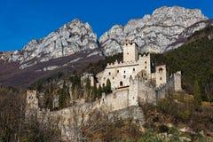 Castillo en Italia fotos de archivo