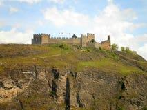 Castillo en la colina Fotografía de archivo libre de regalías