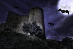 Castillo en la noche imagen de archivo libre de regalías