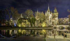 Castillo en la noche Fotografía de archivo libre de regalías