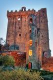 Castillo en la noche, corcho del condado, Irlanda de la lisonja Fotos de archivo libres de regalías