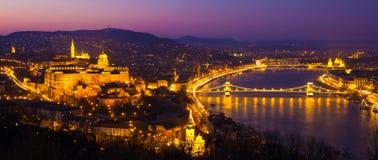 Castillo en la noche, Hungría, Europa de Budapest Foto de archivo