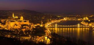 Castillo en la noche, Hungría, Europa de Budapest fotografía de archivo libre de regalías