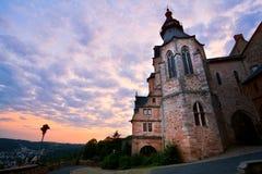 Castillo en Marburgo en la puesta del sol imagen de archivo libre de regalías