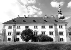 Castillo en nuestra ciudad, blanco y negro Imagenes de archivo