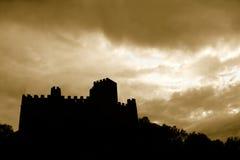 Castillo en silueta fotos de archivo