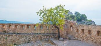 Castillo encima de una colina Fotografía de archivo