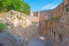 Castillo encima de una colina Foto de archivo libre de regalías