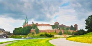 Castillo famoso Wawel en el verano, Kraków, Polonia fotografía de archivo