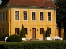 Castillo francés anaranjado   fotografía de archivo libre de regalías