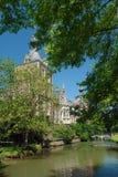 Castillo francés Arenbergh, Bélgica; zanja del castillo Foto de archivo