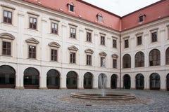 Castillo francés barroco temprano en Holesov imagenes de archivo