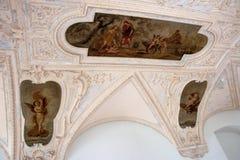 Castillo francés barroco temprano en Holesov fotos de archivo