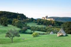 Castillo francés Beynac en la madrugada Imagenes de archivo