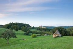 Castillo francés Beynac en la madrugada Fotos de archivo libres de regalías