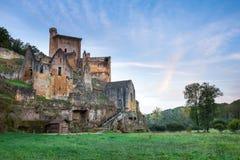 Castillo francés Commarque en la salida del sol Imagen de archivo