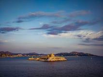 Castillo francés d 'si prisión donde Alexander Dumas encarceló la cuenta Monte Cristo en su novela, Marsella, Francia fotos de archivo