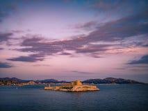 Castillo francés d 'si prisión donde Alexander Dumas encarceló la cuenta Monte Cristo en su novela, Marsella, Francia imagen de archivo libre de regalías