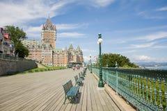 Castillo francés de madera Frontenac de Quebec de la calzada del tablón imagen de archivo libre de regalías