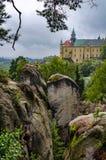Castillo francés en las rocas Fotos de archivo