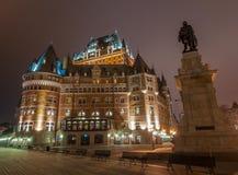 Castillo francés Frontenac en la noche, la ciudad de Quebec, Canadá Foto de archivo libre de regalías
