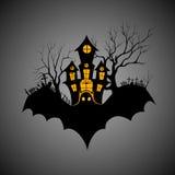 Castillo frecuentado en la noche asustadiza de Halloween Imagenes de archivo