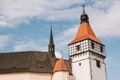 Castillo hermoso Blatna en la República Checa en día caliente soleado Imágenes de archivo libres de regalías