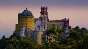 Castillo hermoso de Pena en la ciudad de Sintra, Portugal almacen de video