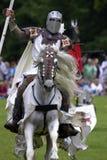 Castillo jousting Inglaterra Reino Unido del warwick de los caballeros Imagenes de archivo